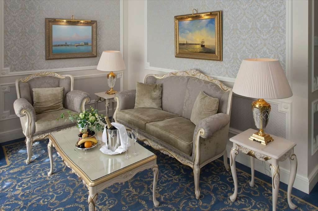 20.-The-State-Hermitage-Official-Hotel-Hermitage-Suite1