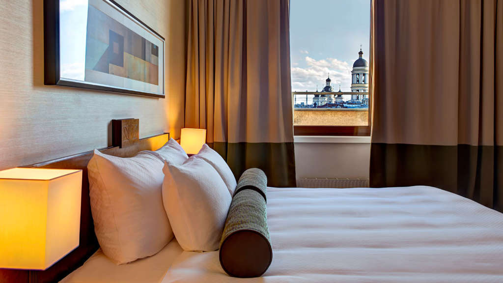 deluxe-suite-st-petersburg-view-1e