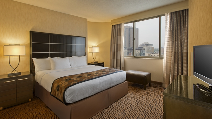 doubletree suites minneapolis