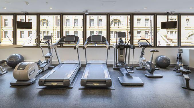 HL_fitnesscenter002_19_677x380_FitToBoxSmallDimension_Center