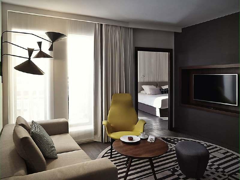 molitor-living-room