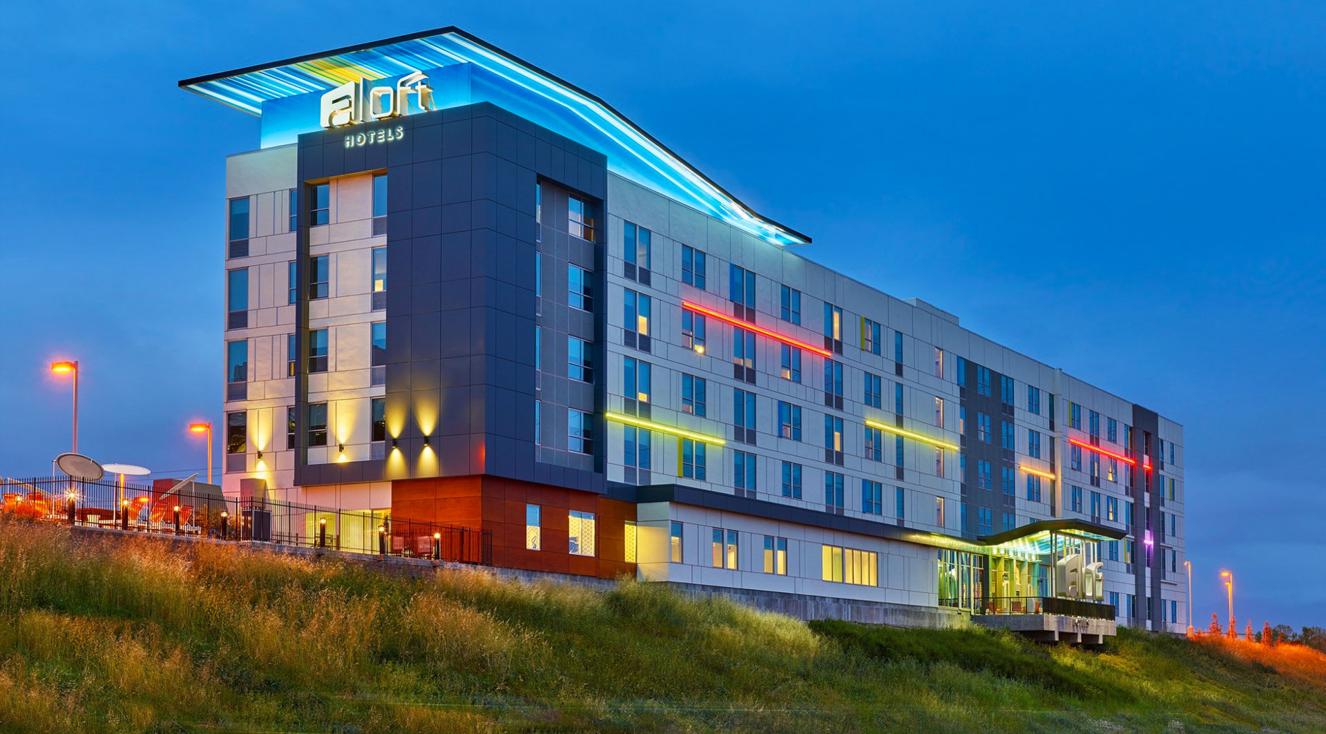 college bowl hotels