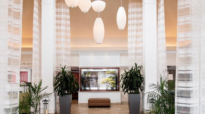 hilton garden inn hotelentrance1_3_698x390_fittoboxsmalldimension_center