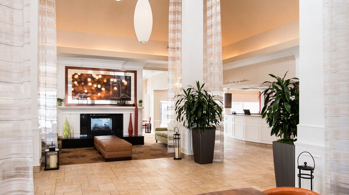 hilton garden inn hotelentrance2_4_698x390_fittoboxsmalldimension_center