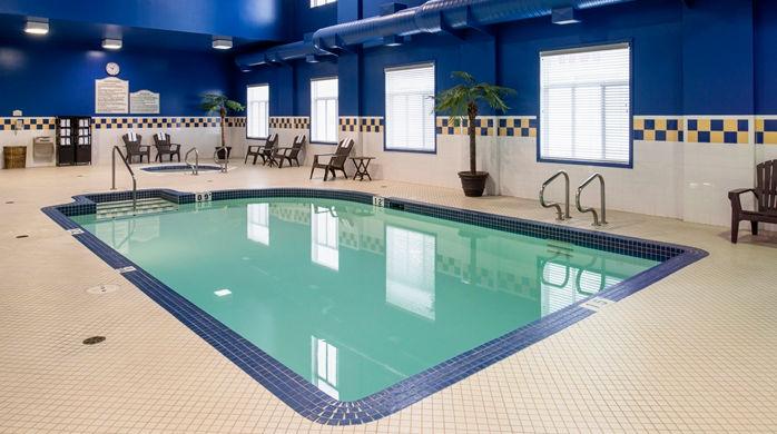 hilton garden inn pool_14_698x390_fittoboxsmalldimension_center