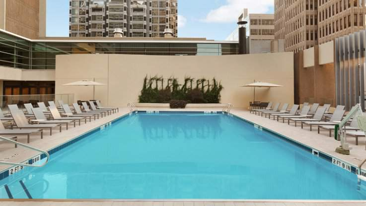 hyatt-regency-pool