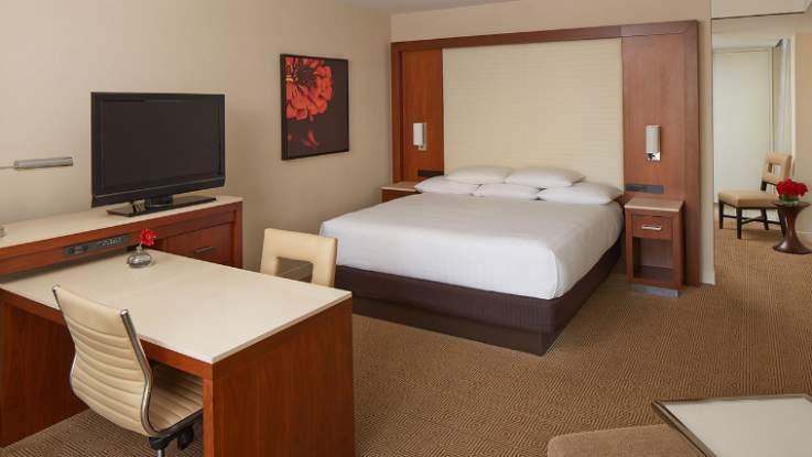 hyatt-regency-room5