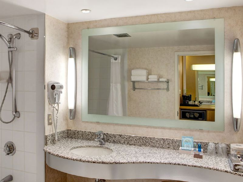 novotel-bathroom