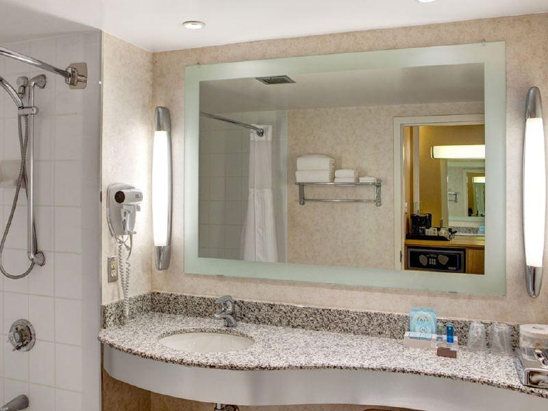 novotel-bathroom