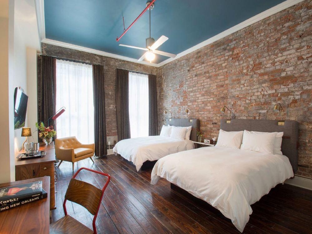old-hotel-no-77-room