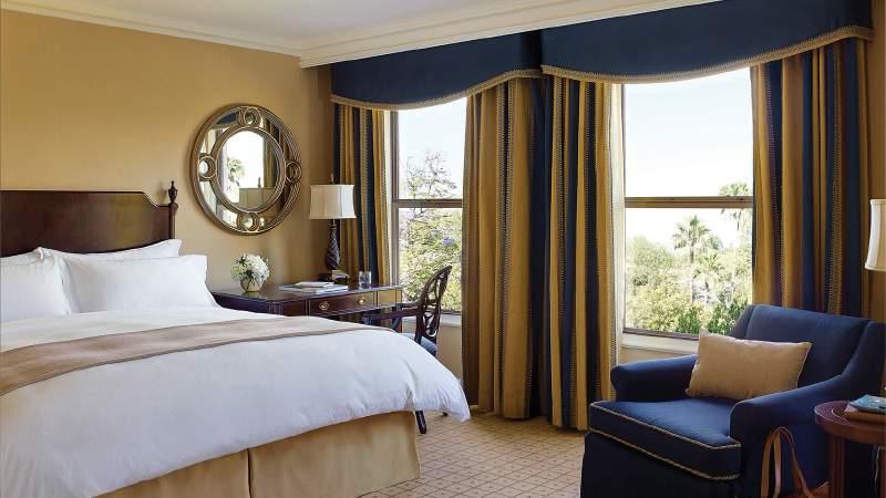 tllax-rooms-classic-king-room-2014-1680-945