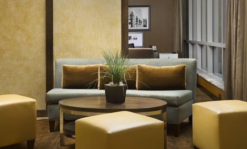 HG_seating_7_505x305_FitToBoxSmallDimension_Center