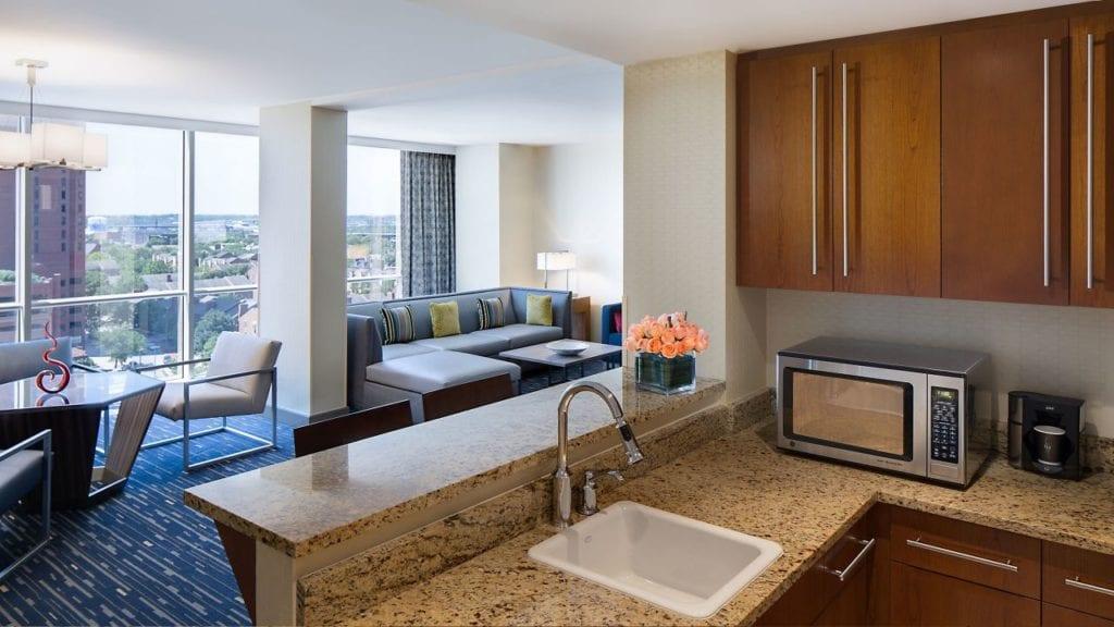 Hyatt-Regency-Baltimore-Inner-Harbor-P162-Premiere-Suite-Kitchen.16x9.adapt.1280.720