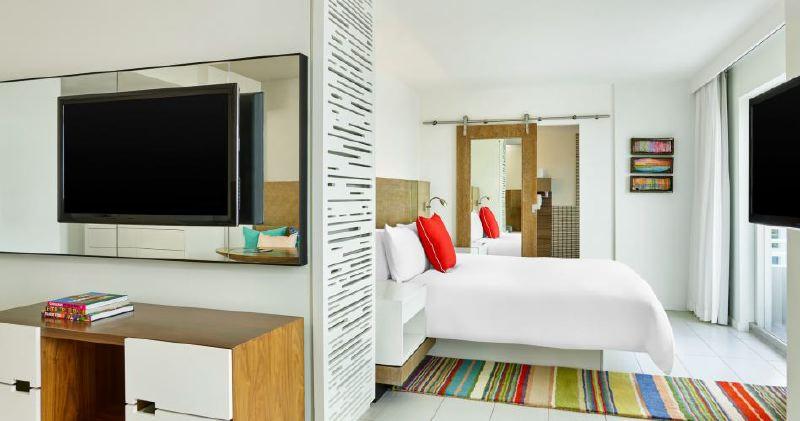 studio-suite-king-bed-948x500