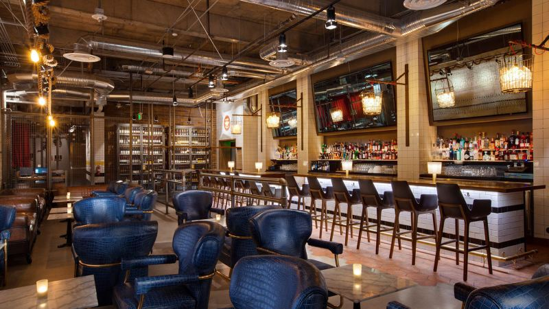 the-district-on-the-bloc-bar-seating