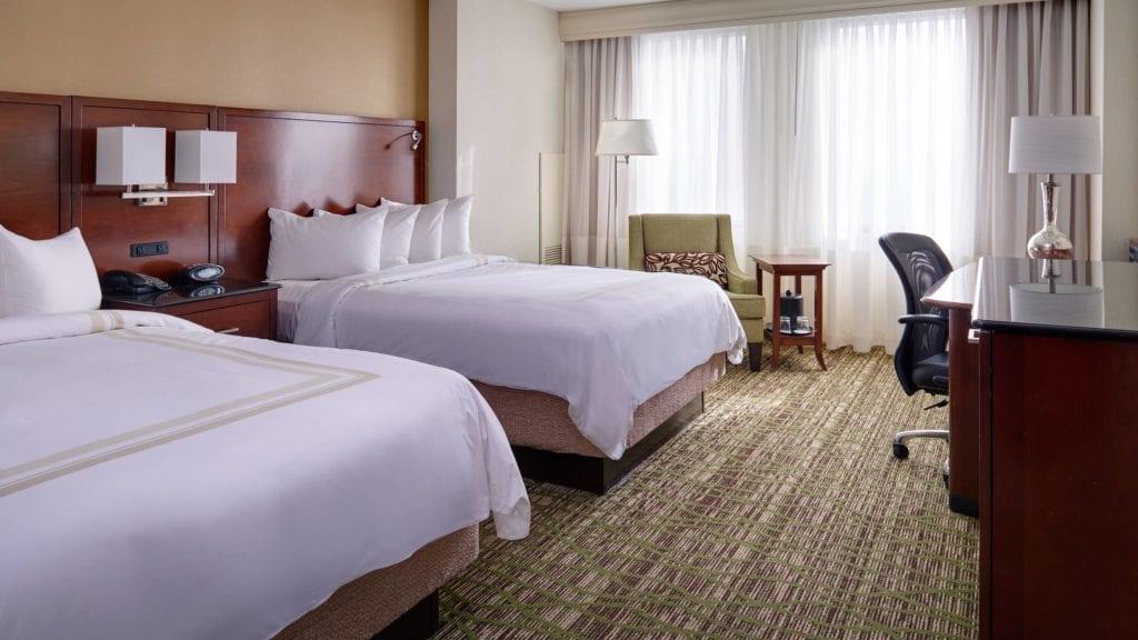 clesc-guestroom-0058-hor-wide