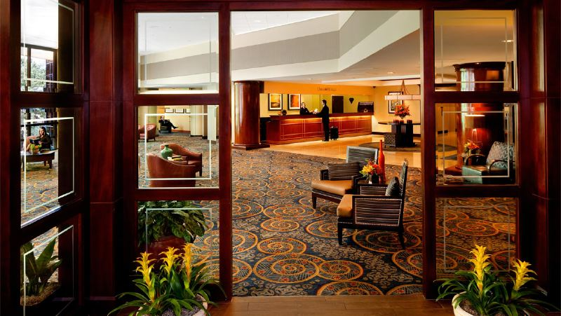 cltdtn-omni-charlotte-hotel-lobby