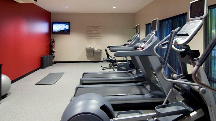gi_fitnesscenter_7_698x390_FitToBoxSmallDimension_Center