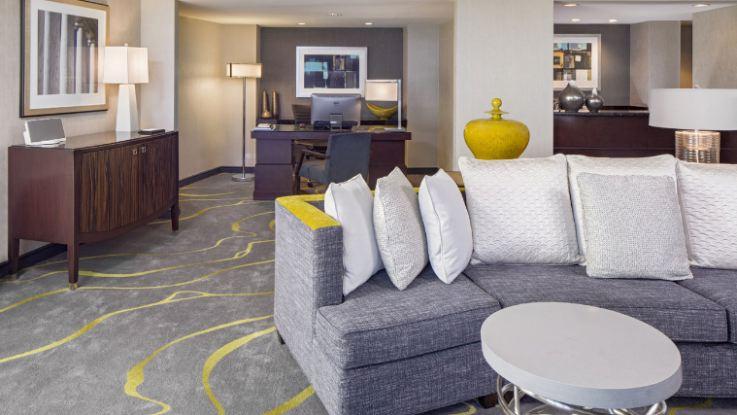 hyatt-regency-capitolhill-suite3