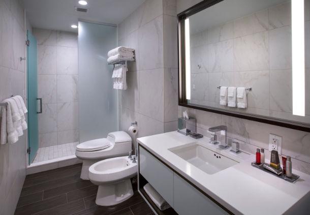 nycea_marriott-restroom