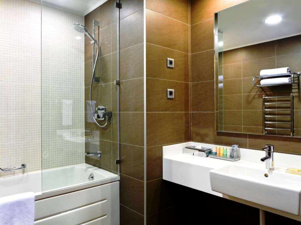room-1-1280x960