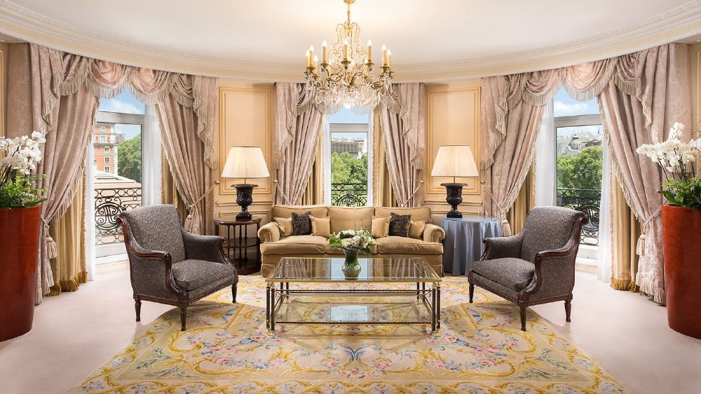 royal-suite-living-room-1600
