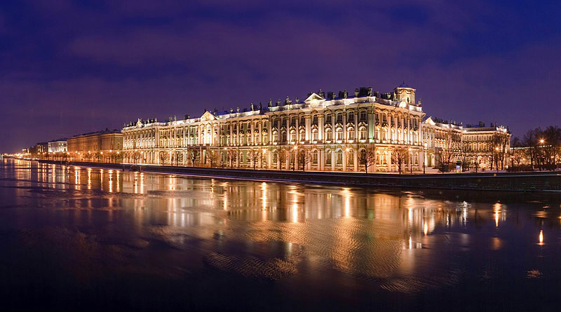 winter-palace-in-st-petersburg-at-night