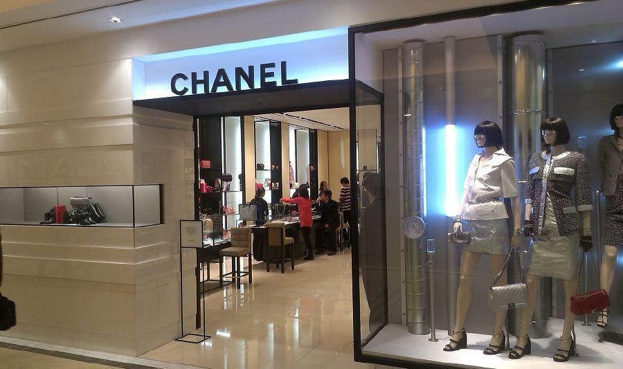 shopping-CHANEL-store-Seoul-South-Korea-Shinsegae-Department-Store-1
