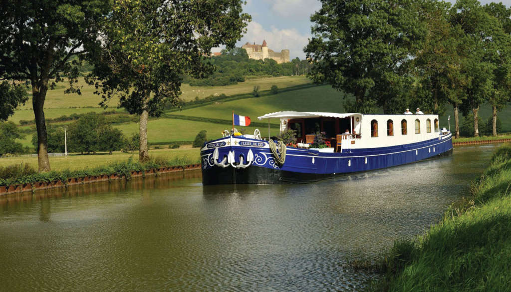 crewed_canal_barges1