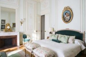 Domaine Les Crayeres bedroom 2