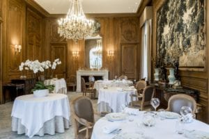 Domaine Les Crayeres formal dining
