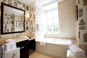 Domaine Les Crayeres bathroom 2