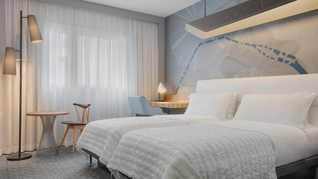 parmd-guestroom-5361-hor-wide