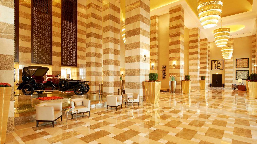 St-Regis-Doha-Lobby
