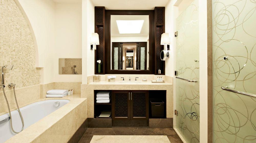 St-Regis-Doha-bathroom