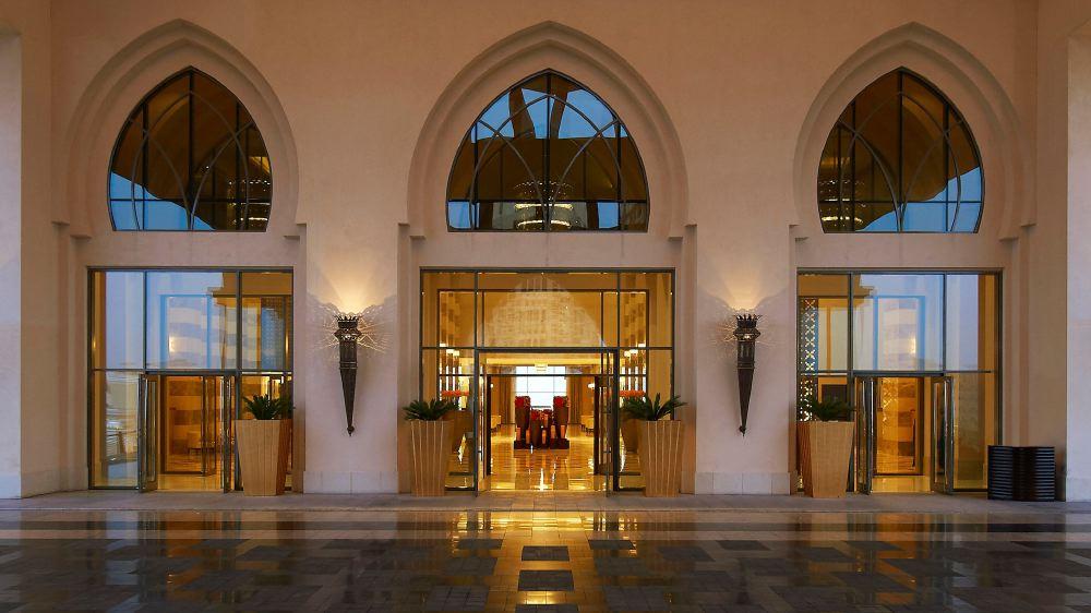 St-Regis-Doha-lobby2