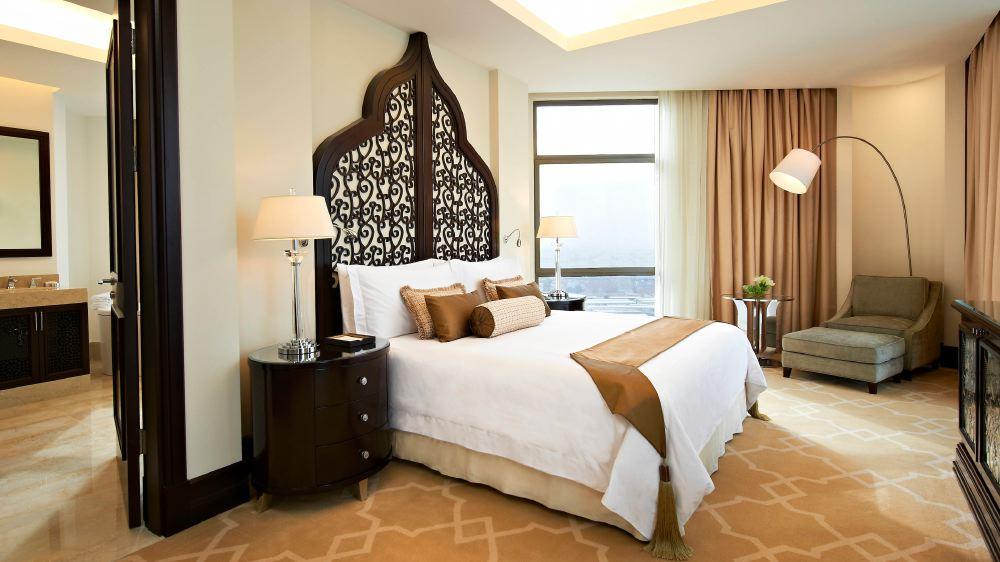 St-Regis-Doha-room