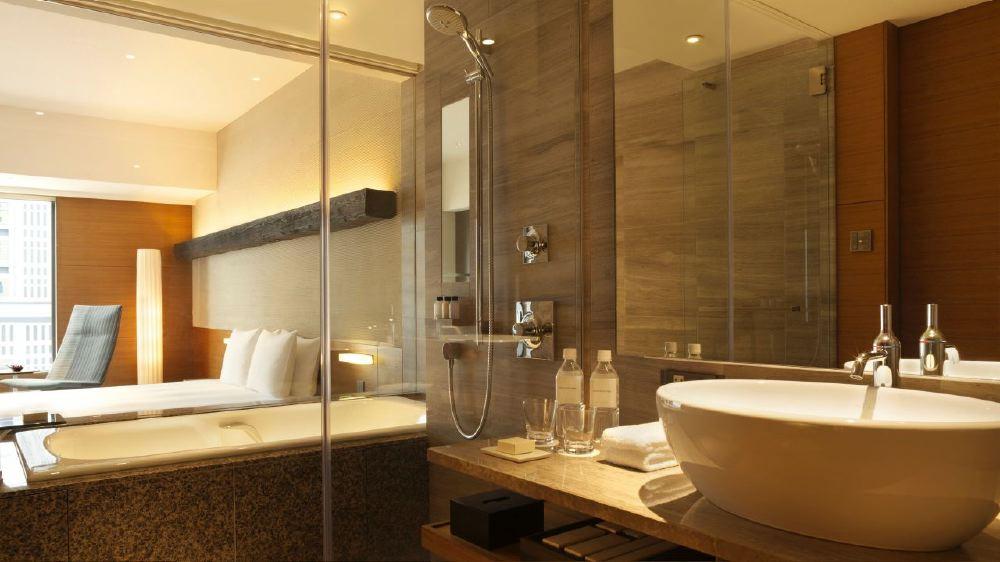 Hyatt-Regency-Tokyo-club-king-bath