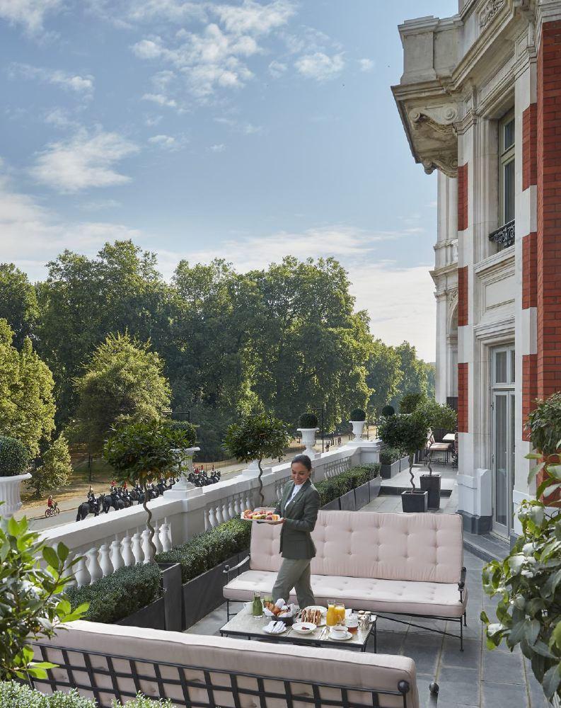 london-2018-suite-royal-terrace-02