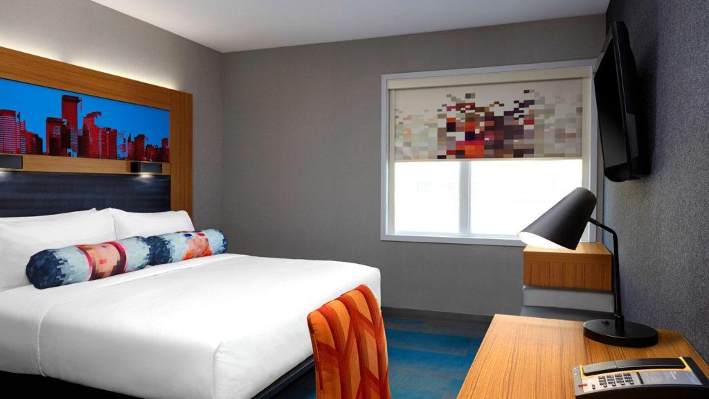 yycul-standard-room-2746-hor-wide